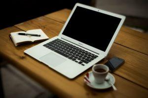 Podstawowe elementy laptopów działają identycznie jak ich odpowiedniki na komputery stacjonarne
