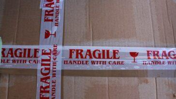 Pakowanie prezentów - jak robi to producent opakowań?