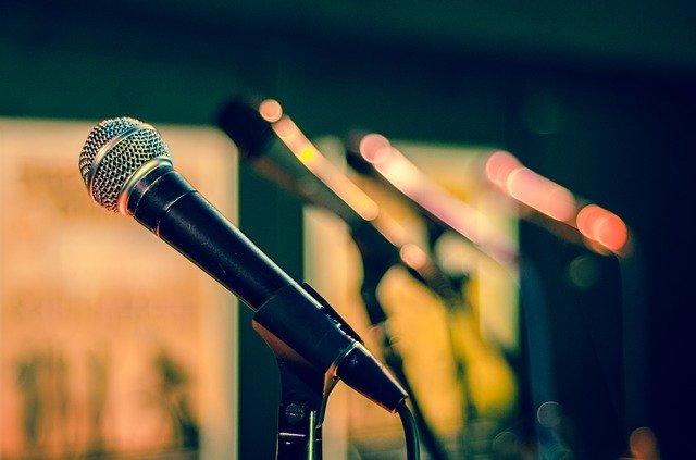 Jak działa mikrofon pojemnościowy i jaki wybrać?