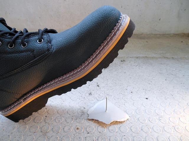 Najlepsze dla pracownika buty robocze z blachą